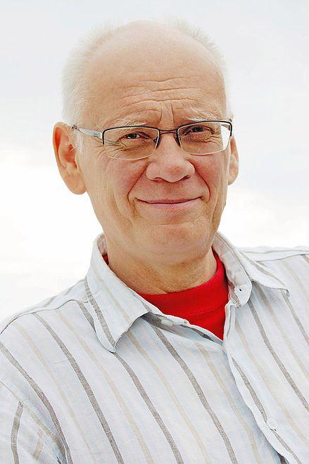 Adam Szostkiewicz był związany z organizacjami opozycyjnymi