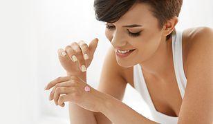 Masz suchą skórę? Sprawdź, jakich kosmetyków nie powinnaś używać!