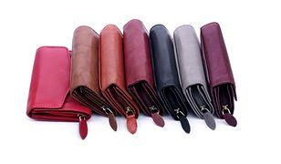 Czy damski portfel musi być czerwony?