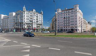 Warszawa. Kolizja samochodu SOP ztramwajem