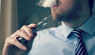 Szkodliwość e-papierosów to mit? Włoscy naukowcy apelują o rzetelność i krytyczną ocenę wiarygodności badań