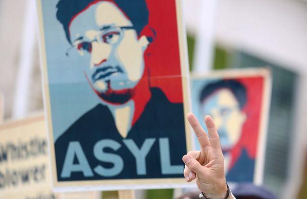 Obrońcy Snowdena protestują w Berlinie