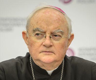Arcybiskup Henryk Hoser znów w szpitalu. Powikłania po COVID-19