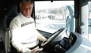 Irański kierowca Fardin Kazemi odebrał nową ciężarówkę. To prezent od Polaków