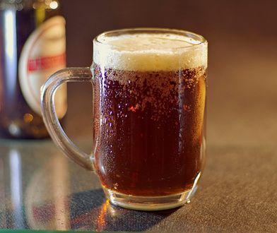 Bo prawdziwy miłośnik piwa nie będzie go pił prosto z butelki