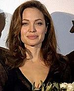 Angelina Jolie planuje wodny poród