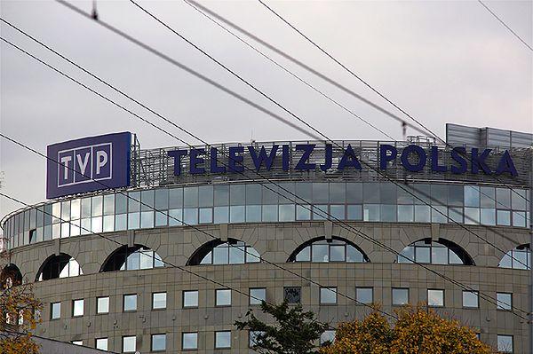 Zamieszanie wokół debaty Kopacz-Szydło. TVP odpowiada: to jest własna audycja