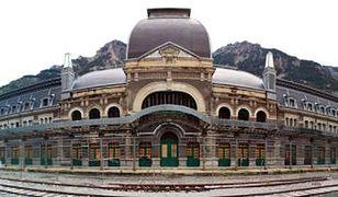 Canfranc - opuszczony dworzec kolejowy i jego tajemnice