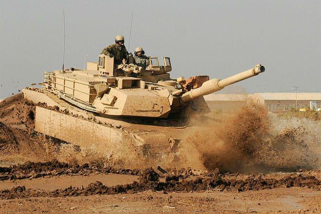 Niemiecki ekspert: broń USA w Polsce nie naruszyłaby umowy NATO-Rosja