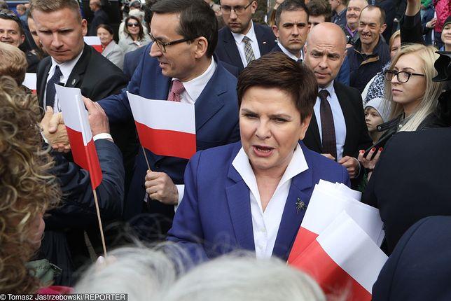 Beata Szydło i Mateusz Morawiecki na spotkaniu z wyborcami.