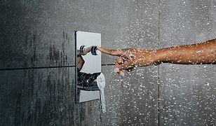 Koniec nudnych baterii prysznicowych - Poznaj innowację Pushtronic