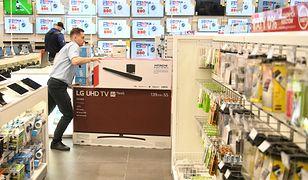 Pracownicy UOKiK sprawdzali, co sprzedawcy mówią klientom przed zakupem telewizora, laptopa czy smartfona