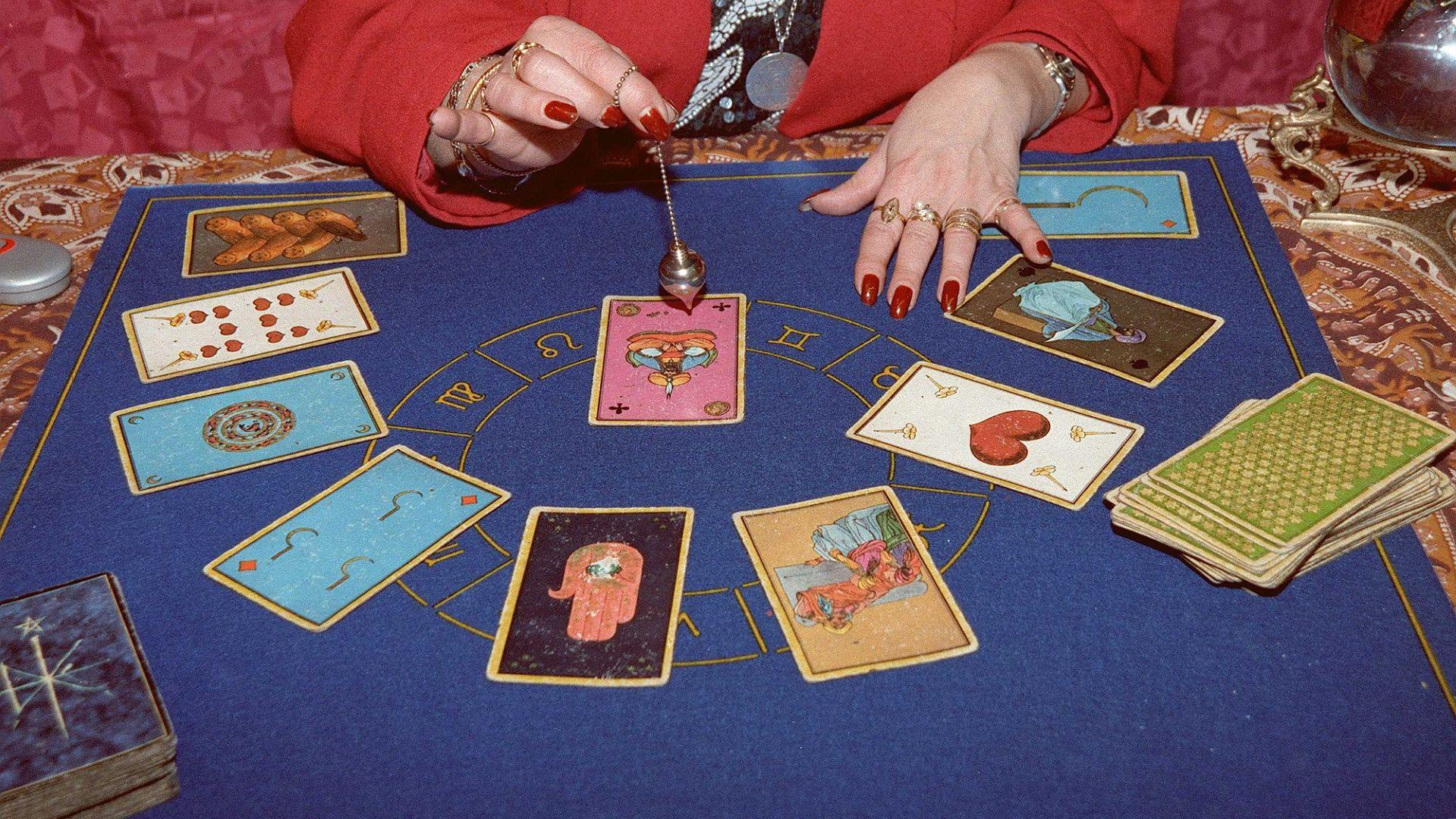 Wróżka Agnieszka zna się na amuletach, horoskopie, tarocie