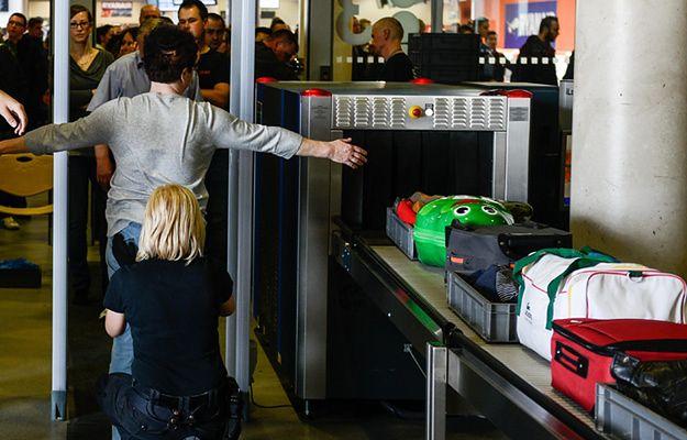 """""""Trotyl jest tam"""". Prawniczka skazana za """"żart"""" na lotnisku"""