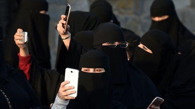 Snapchat zablokował kanał Al-Dżaziry w Arabii Saudyjskiej. Wszystko przez zależność finansową stacji od emira Kataru
