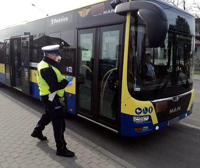 Wrocław. Kierowca autobusu rozmawiał przez telefon. Kontrola wykazała, że jest też pijany