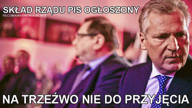 """Aleksander Kwaśniewski i alkoholowe memy. Przez """"śmieszne obrazki"""" zapomnimy o politycznej wpadce"""