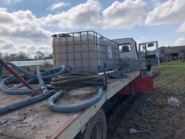 Rolnicy próbują uratować plony