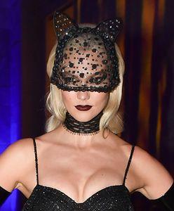 Karlie Kloss na Halloween w Nowym Jorku. Kusząca kotka