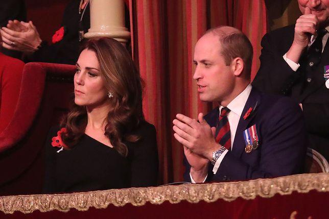 Księżna Kate z mężem