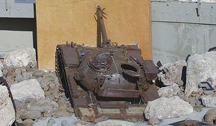 Wraki czołgów w Mleecie symbolizują triumf Hezbollahu