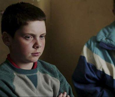 Rodzice chłopca, który wtedy zginął, próbują walczyć z reżyserem (kadr z filmu)