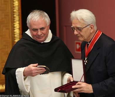 Wręczenie Medalu Św. Jerzego, o. Ludwik Wiśniewski i ks. Adam Boniecki, Kraków 2011 r.