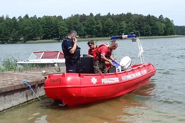 Niebezpieczne zdarzenie na jeziorze Orzysz. Pijani turyści wyciągnięci z wody