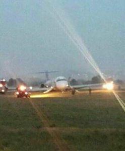 Awaryjne lądowanie samolotu. Pasażerowie uciekli z pokładu