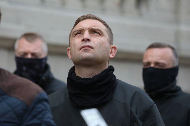 Według Roberta Bąkiewicza, uczestnicy protestów chcą zniszczyć tożsamość narodową