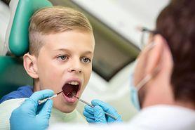 Brodawczak jamy ustnej – przyczyny, objawy i leczenie