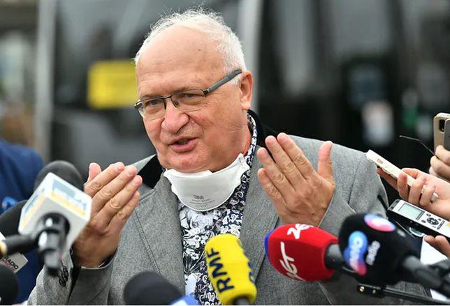 Koronawirus w Polsce. Prof. Simon uważa, że kolejne rekordy zakażeń są efektem bagatelizowania obostrzeń sanitarnych przez Polaków