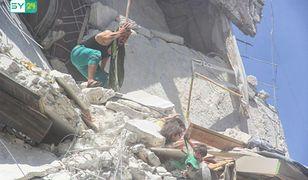 Syria. Zdjęcie, które wstrząsnęło światem. Pięciolatka ratowała swoją siostrzyczkę