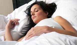 Najważniejsza zasada pielęgnacji. Pamiętaj o niej przed pójściem spać