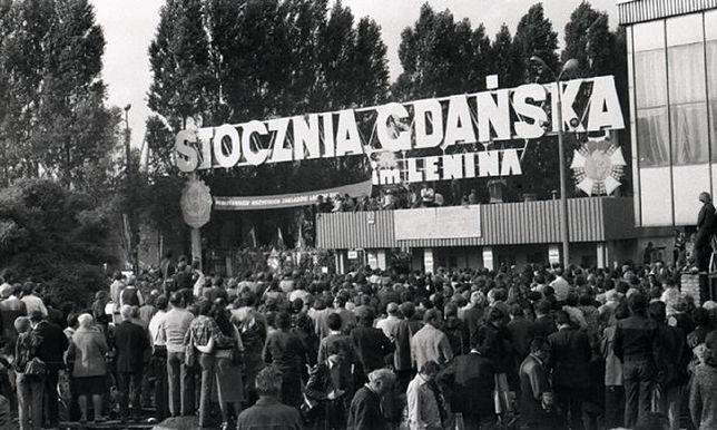 """Stocznia Gdańska, miejsce protestów, które doprowadziły do powstania """"Solidarności"""""""