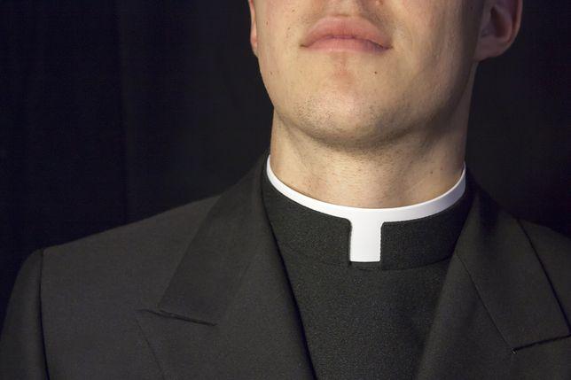 Oświęcim. 32-letni ksiądz miał proponować nieletniej seks. Został zwolniony z parafii.