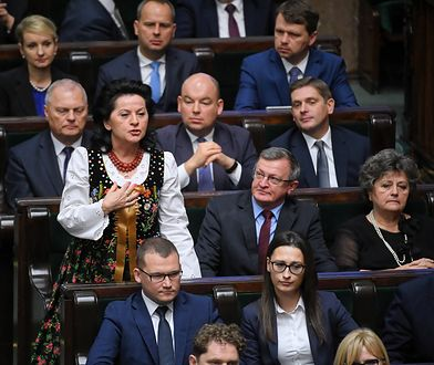 Anna Paluch w stroju ludowym