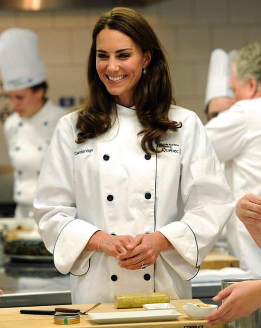 Księżna Kate w kuchni czuje się jak ryba w wodzie