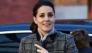 Księżna Kate w płaszczu z Zary. Wyprzedał się ze sklepu w mgnieniu oka