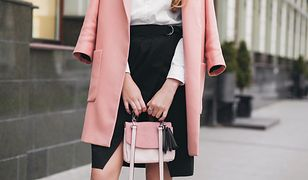 Mała torebka sprawi, że każdy look będzie wyglądał modnie