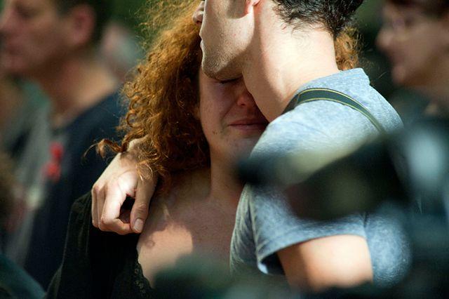 Rozpacz i łzy na świecie - te zdjęcia chwytają za serce