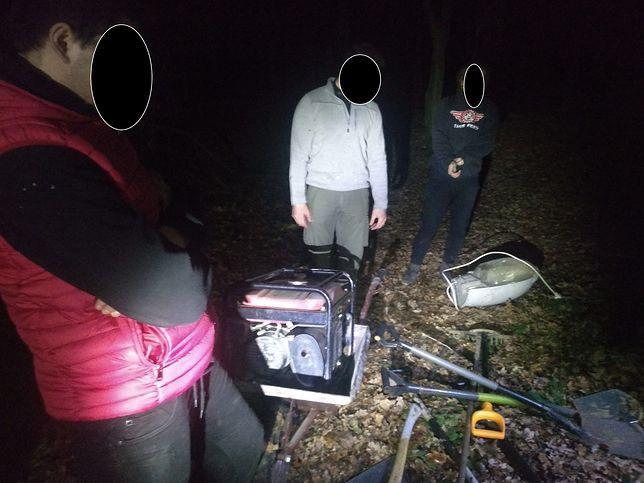 Czterech mężczyzn odpowie za budowę nielegalnego toru