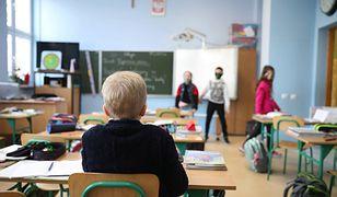 Rodzice 9-letnich uczniów idą do sądu. Dzieci nie chciały nosić maseczek w szkole