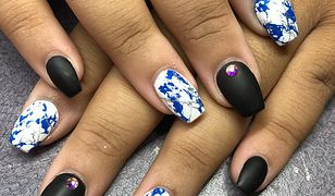 Stemple do paznokci — jak samodzielnie zrobić manicure przy użyciu stempla?