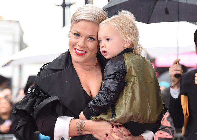 Pink opublikowała zdjęcie syna bez pieluchy. Została skrytykowana