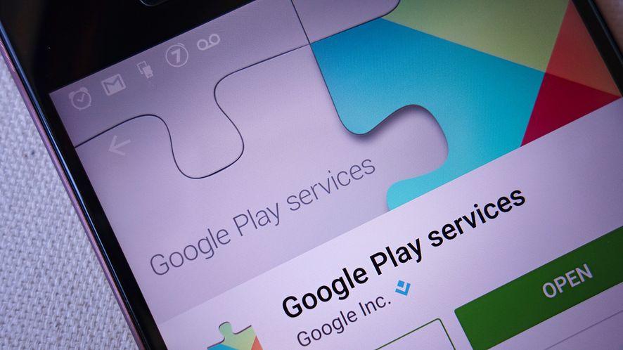 HTC: masz problemy z akumulatorkiem? Usuń aplikację zdjęć od Google