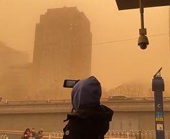 Zdjęcia jak z Marsa. W mieście ogłoszono alarm, tak źle nie było od dekady