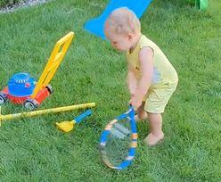 Ma kilkanaście miesięcy i już gra. Syn tenisowej pary ma potencjał