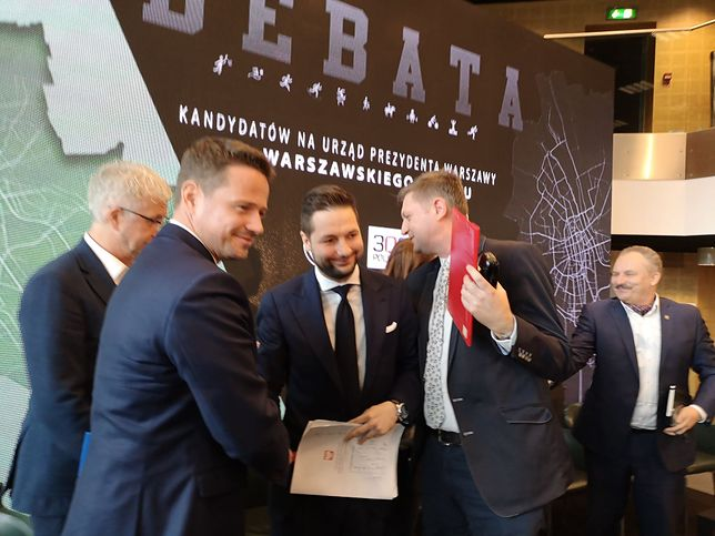 Rafał Trzaskowski i Patryk Jaki w debacie telewizyjnej po raz drugi w tej kampanii uścisną sobie dłoń