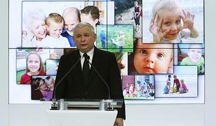 Jarosław Kaczyński po raz kolejny straszy atakami na polską rodzinę